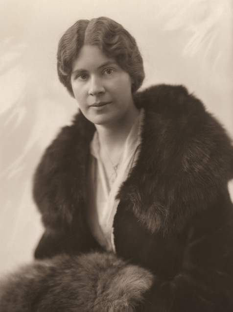 Studio portrait of Marjorie after her marriage to Henry Hume Turnbull.
